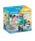 PLAYMOBIL Family Fun 70439 Urlauber mit Geldautomat, Ab 4 Jahren
