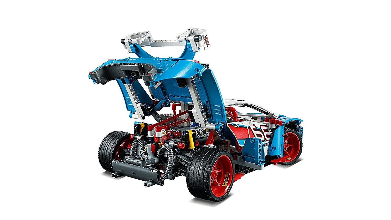 Lego 42077 - der Motor im Heck
